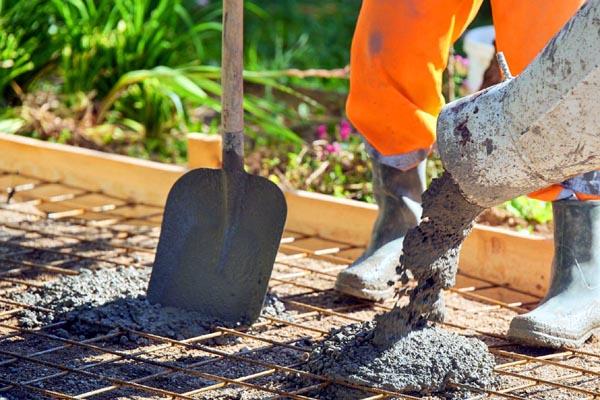 Dlaczego beton powinno się robić zarówno ze żwiru, jak i piasku?