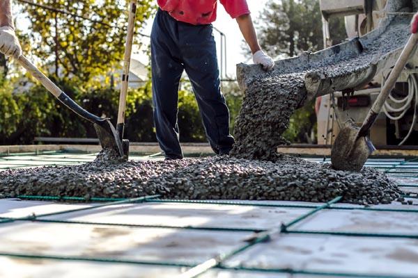Czym się różni cement od betonu?