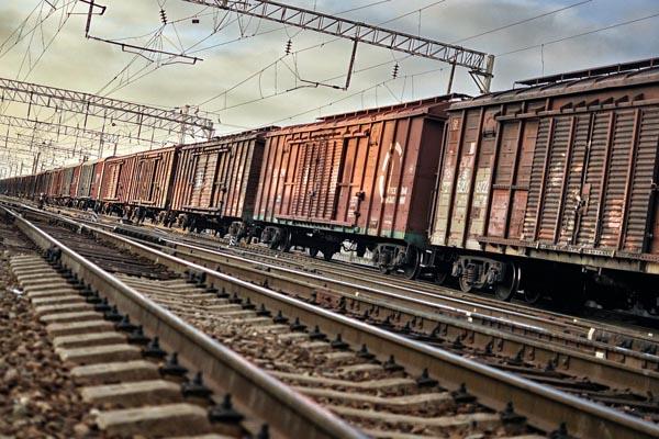 Transport kolejowy kruszywa jest tańszy od drogowego